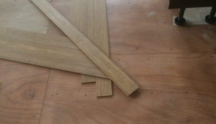 Massief Bamboe Vloer : Leggen van een massief bamboe tapis vloer